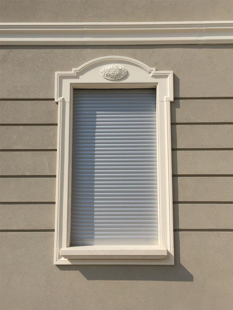 Cornici per finestre lavorazioni polistirolo espanso lape espansi srl - Decori per finestre esterne ...